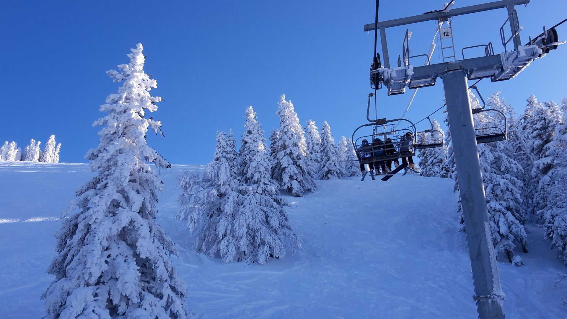 http://live.skiplan.com/moduleweb/2.0/live.php?resort=mourtis&module=ouvertures